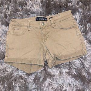 ◾️2/$10◾️HOLLISTER Khaki Low-Rise Midi Shorts 3